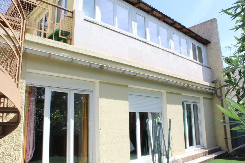 Maison à vendre 5 143m2 à Béziers vignette-2