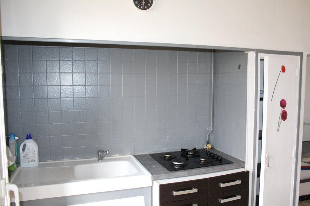 Appartement à vendre 2 38m2 à Béziers vignette-3