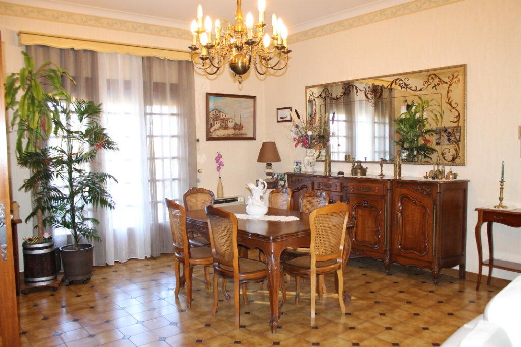 Maison à vendre 5 152.25m2 à Roujan vignette-5