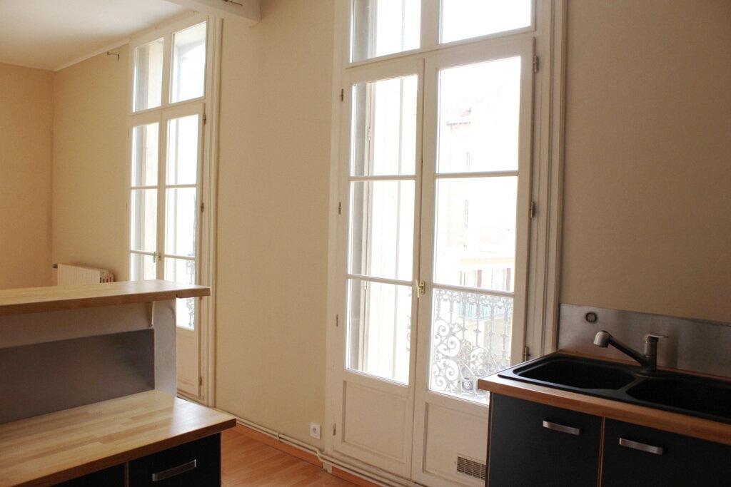 Appartement à louer 2 50m2 à Béziers vignette-4