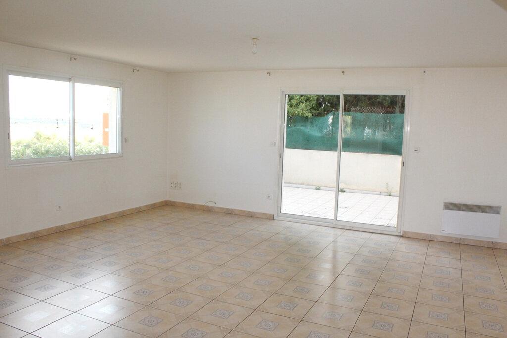 Appartement à louer 4 110m2 à Béziers vignette-2