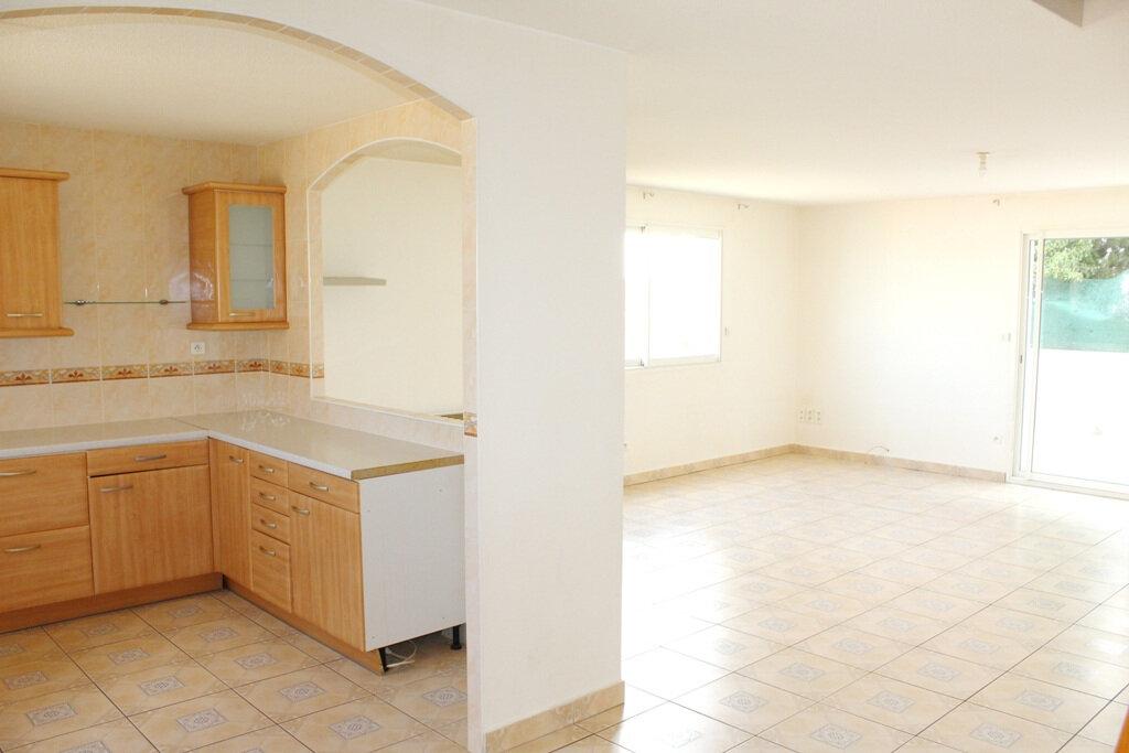 Appartement à louer 4 110m2 à Béziers vignette-3