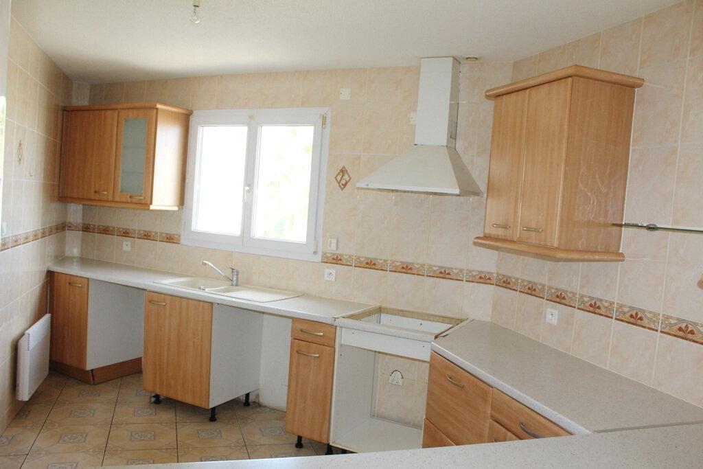 Appartement à louer 4 110m2 à Béziers vignette-4