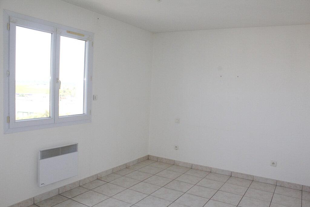 Appartement à louer 4 110m2 à Béziers vignette-6