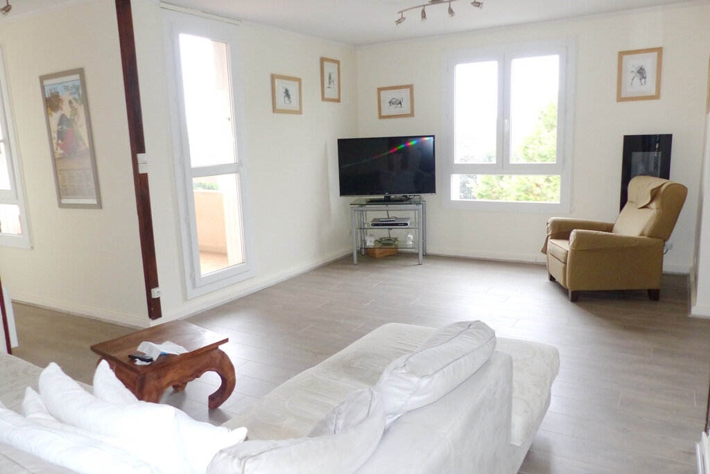 Appartement à vendre 4 104m2 à Béziers vignette-1