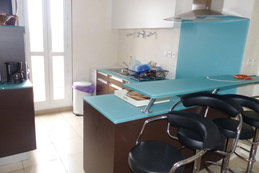 Appartement à vendre 4 104m2 à Béziers vignette-2