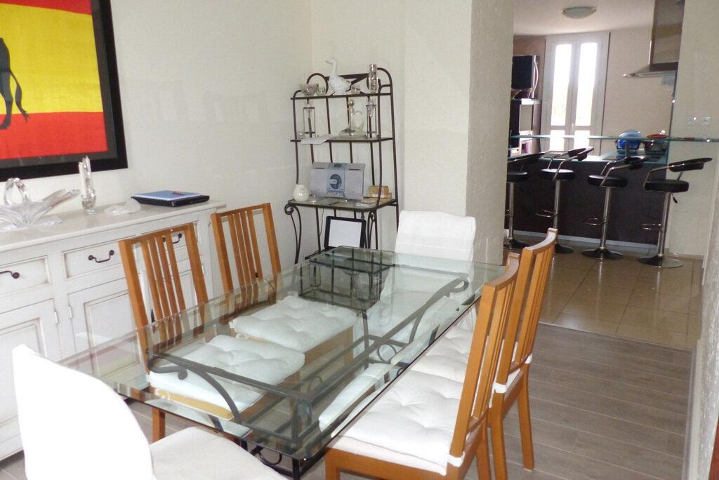 Appartement à vendre 4 104m2 à Béziers vignette-3