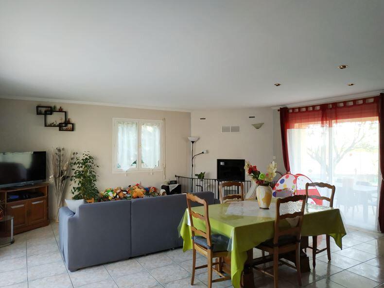 Maison à vendre 5 121m2 à Neffiès vignette-2