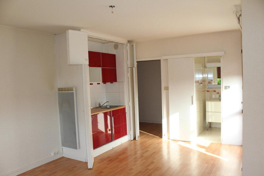 Appartement à louer 1 30.05m2 à Béziers vignette-1
