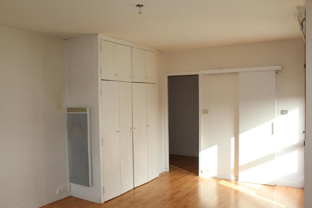 Appartement à louer 1 30.05m2 à Béziers vignette-4