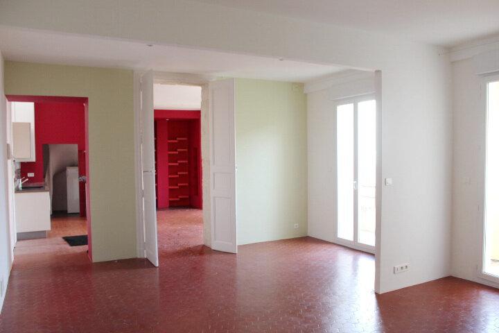 Appartement à louer 2 63m2 à Béziers vignette-3
