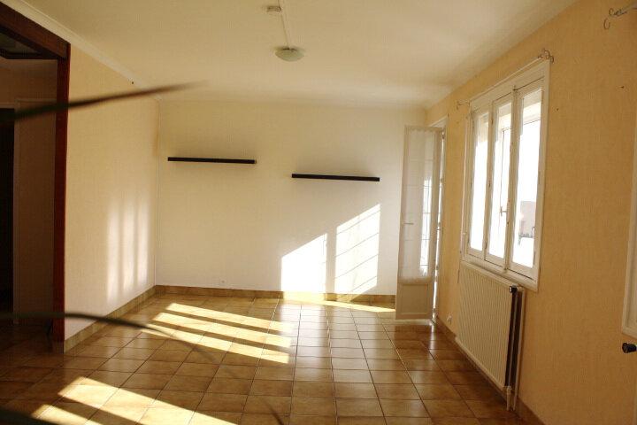 Appartement à louer 3 78.7m2 à Béziers vignette-2