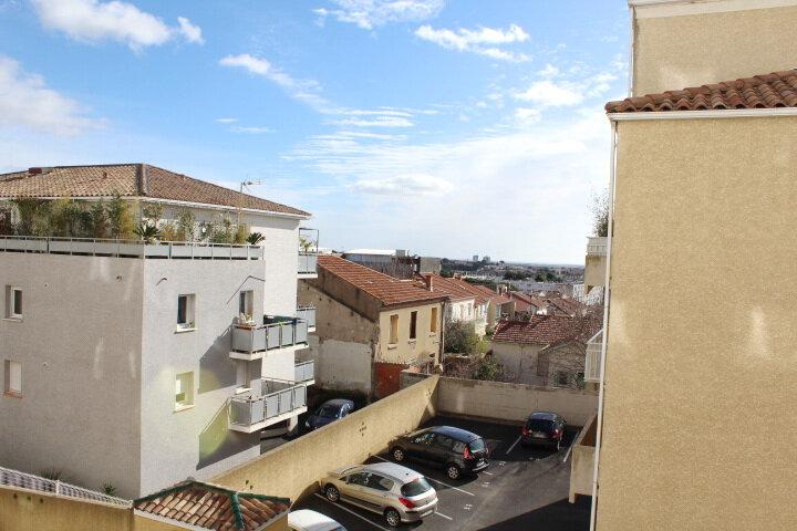 Appartement à louer 3 78.7m2 à Béziers vignette-3