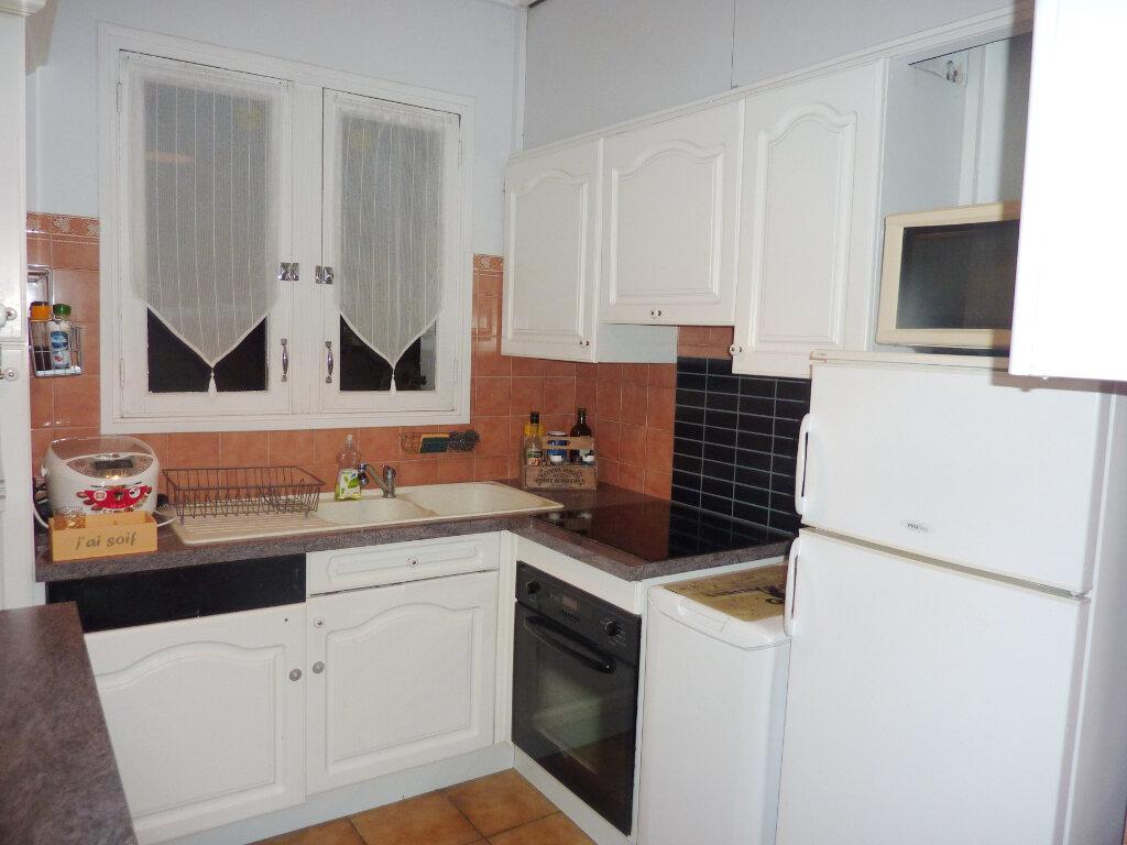 Appartement à louer 3 78.7m2 à Béziers vignette-4
