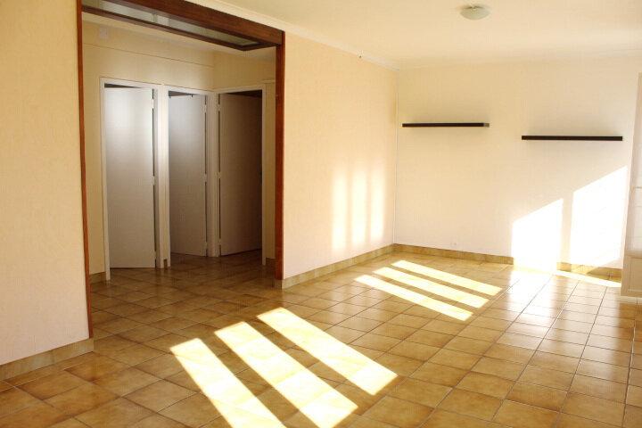 Appartement à louer 3 78.7m2 à Béziers vignette-7