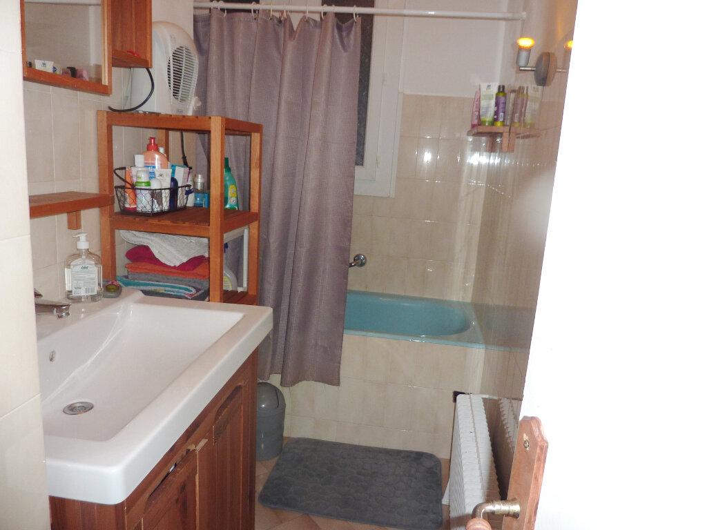 Appartement à louer 3 78.7m2 à Béziers vignette-8