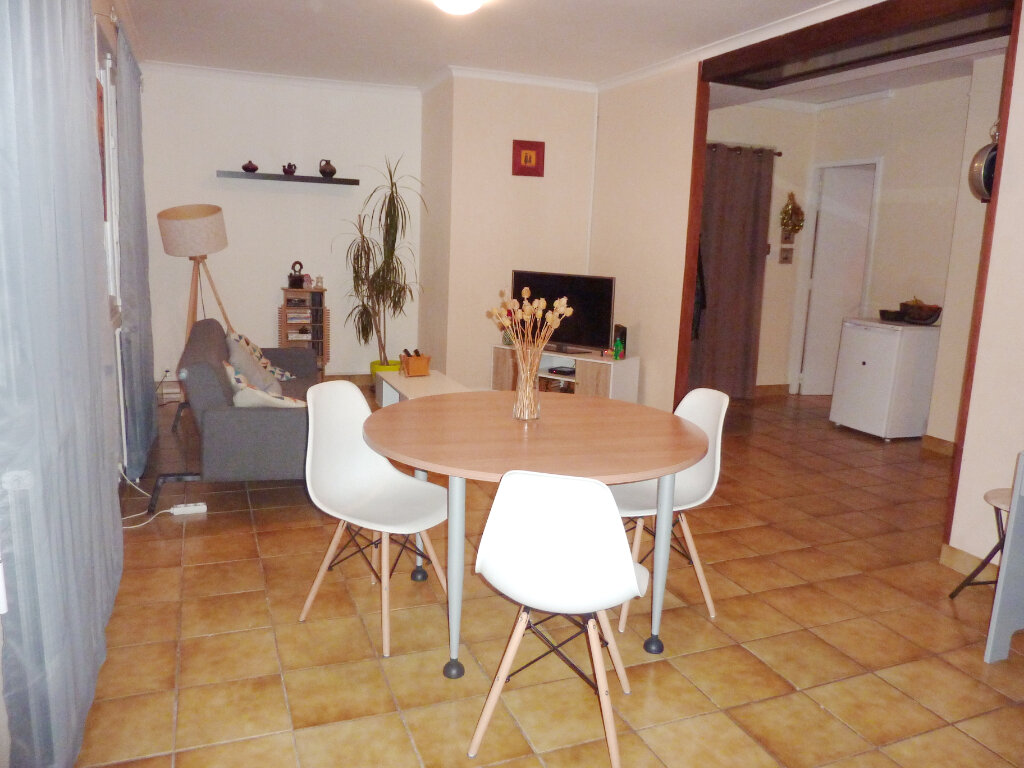 Appartement à louer 3 78.7m2 à Béziers vignette-9