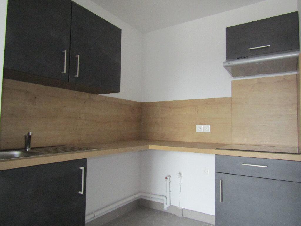 Appartement à louer 3 57.5m2 à Sérignan vignette-2