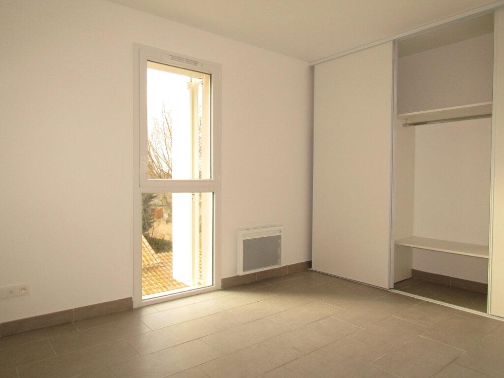 Appartement à louer 3 57.5m2 à Sérignan vignette-4