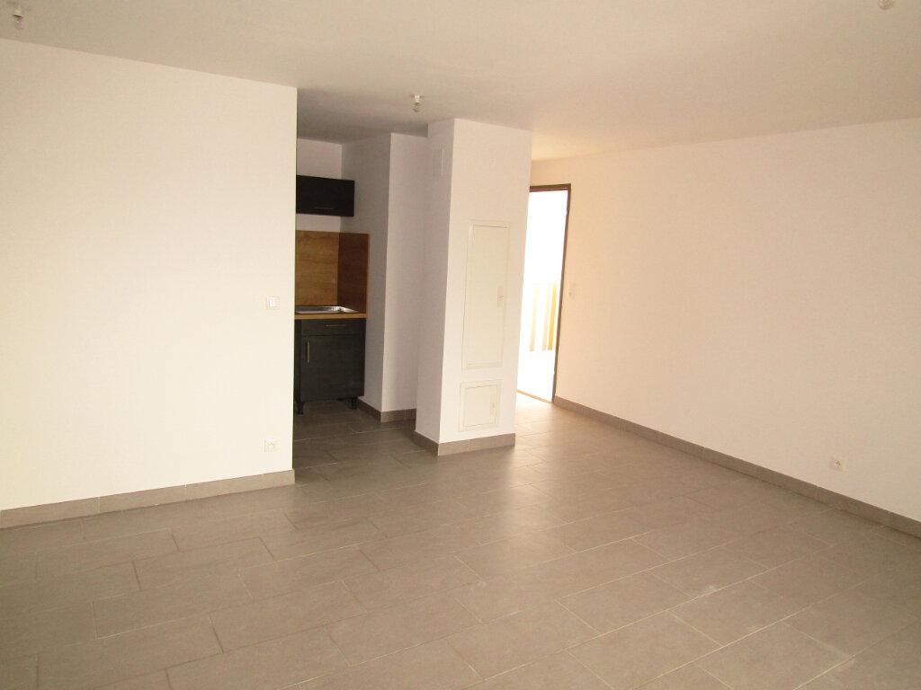 Appartement à louer 3 57.5m2 à Sérignan vignette-5