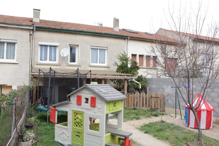 Maison à vendre 6 103m2 à Béziers vignette-4