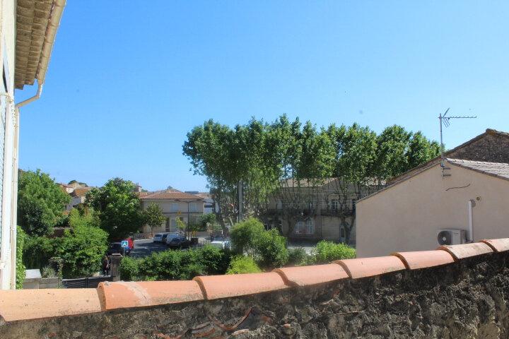 Maison à louer 4 130m2 à Lespignan vignette-2