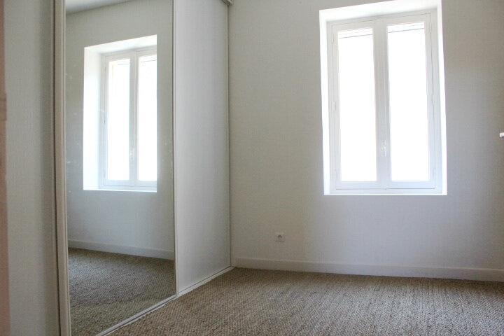 Maison à louer 4 130m2 à Lespignan vignette-17