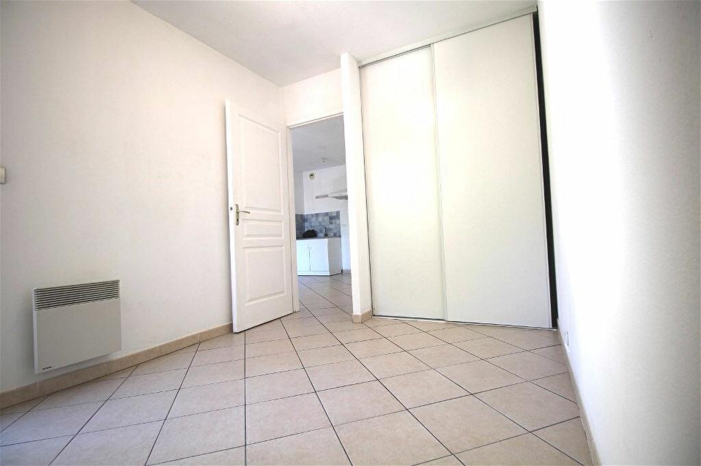 Appartement à louer 2 34m2 à Gigean vignette-2