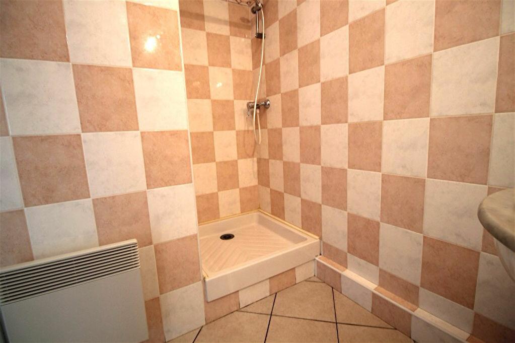 Appartement à louer 2 34m2 à Gigean vignette-4