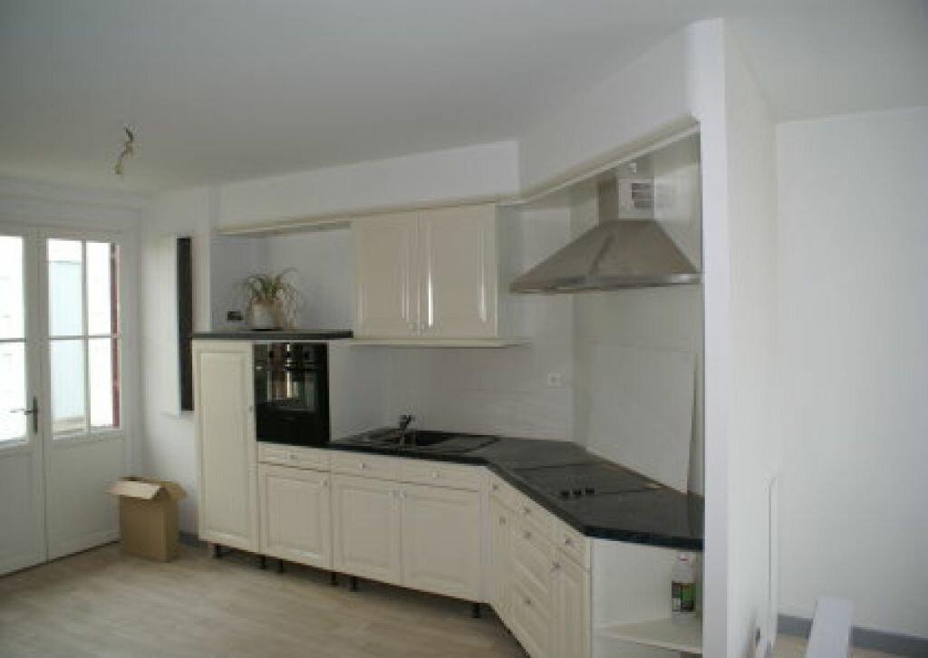 Appartement à louer 3 53m2 à Luxey vignette-2
