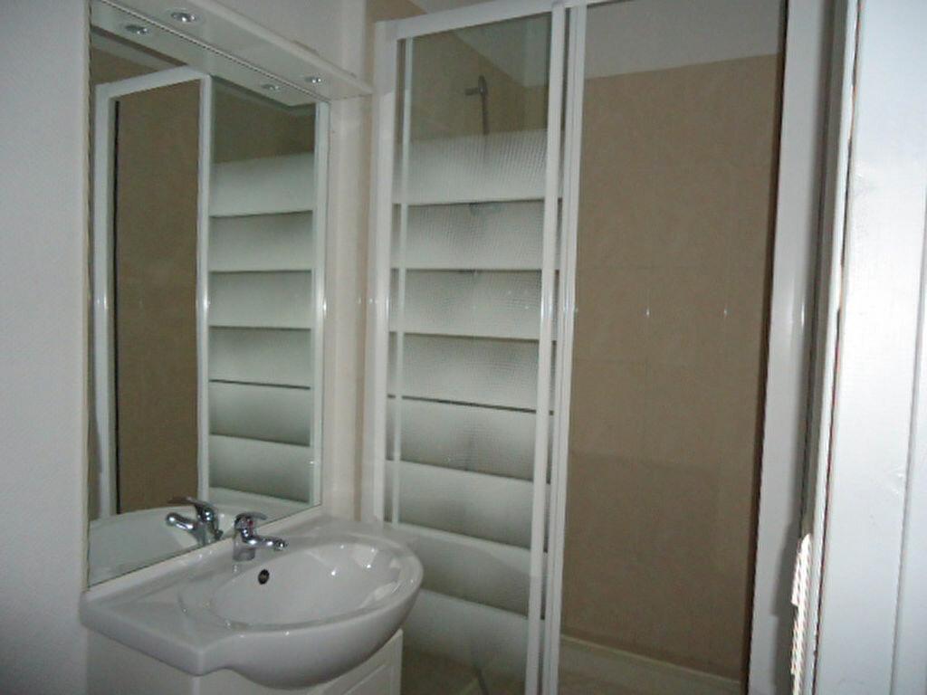 Appartement à louer 3 53m2 à Luxey vignette-3