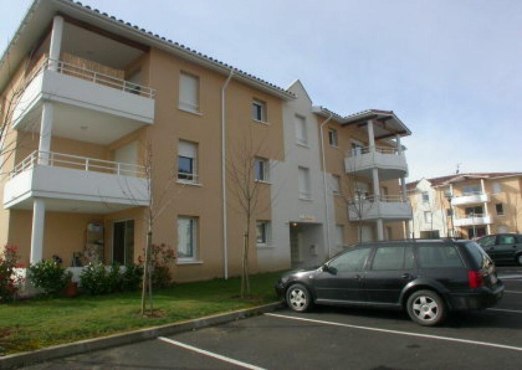 Appartement à louer 2 46.78m2 à Saint-Pierre-du-Mont vignette-1