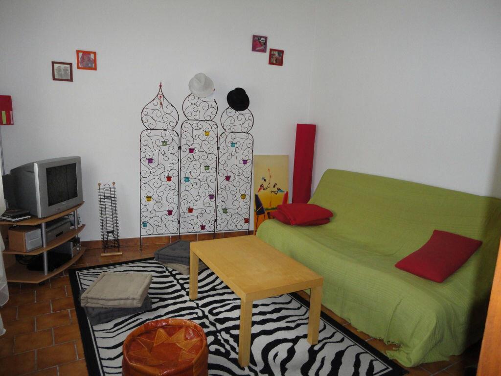 Appartement à louer 2 53m2 à Mont-de-Marsan vignette-1