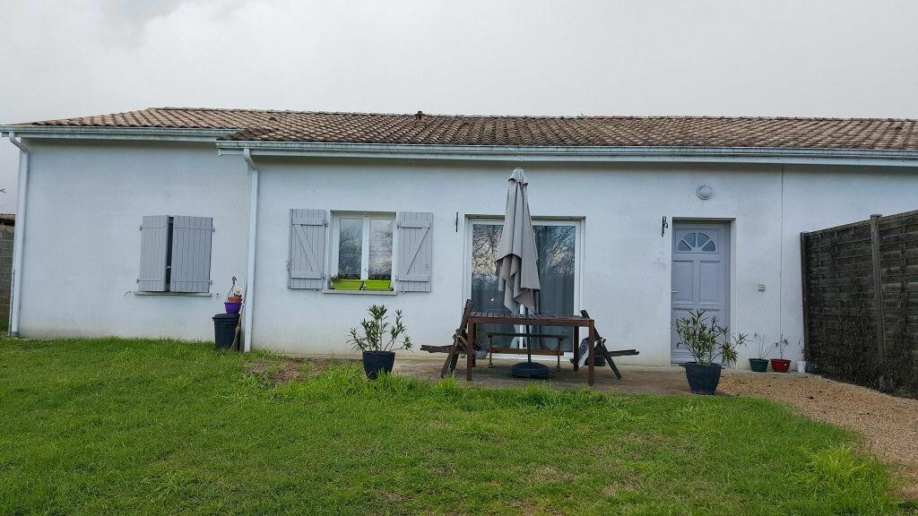 Maison à louer 4 95m2 à Sarbazan vignette-1