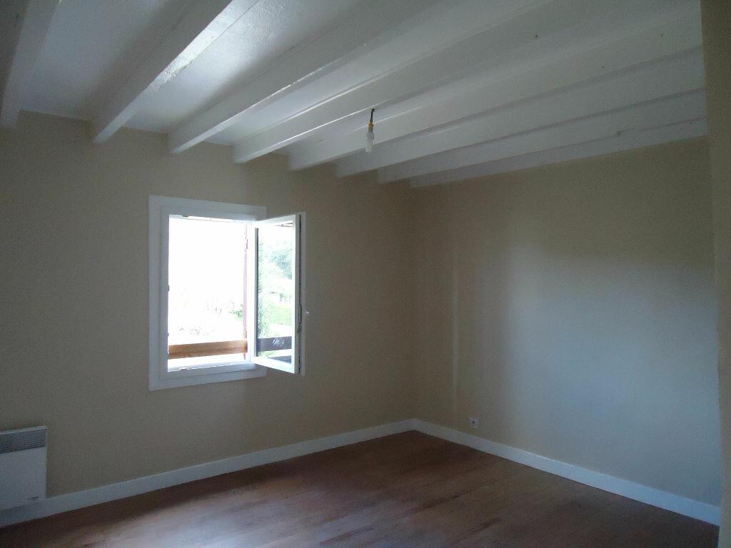 Maison à louer 3 119m2 à Lencouacq vignette-4