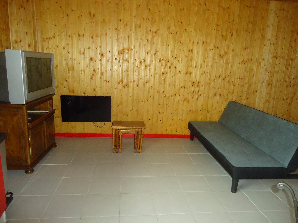Appartement à louer 3 61.82m2 à Saint-Justin vignette-3