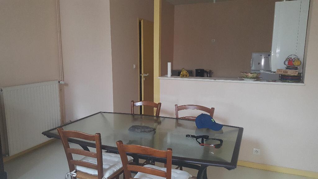 Appartement à louer 3 70.86m2 à Villeneuve-de-Marsan vignette-3