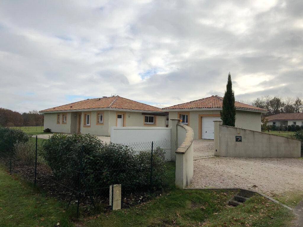 Maison à vendre 4 111m2 à Saint-Justin vignette-1