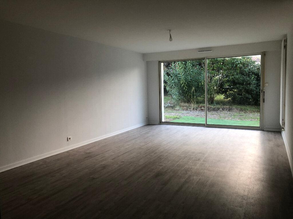 Appartement à louer 3 76.75m2 à Villeneuve-de-Marsan vignette-1