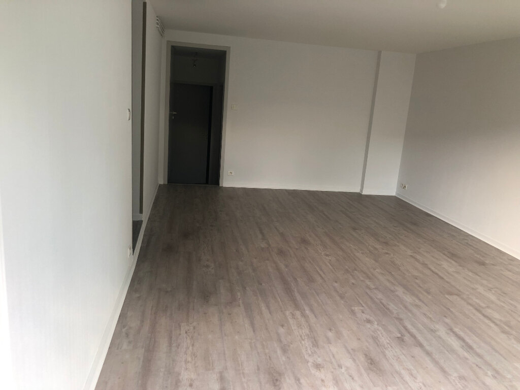 Appartement à louer 3 76.75m2 à Villeneuve-de-Marsan vignette-3