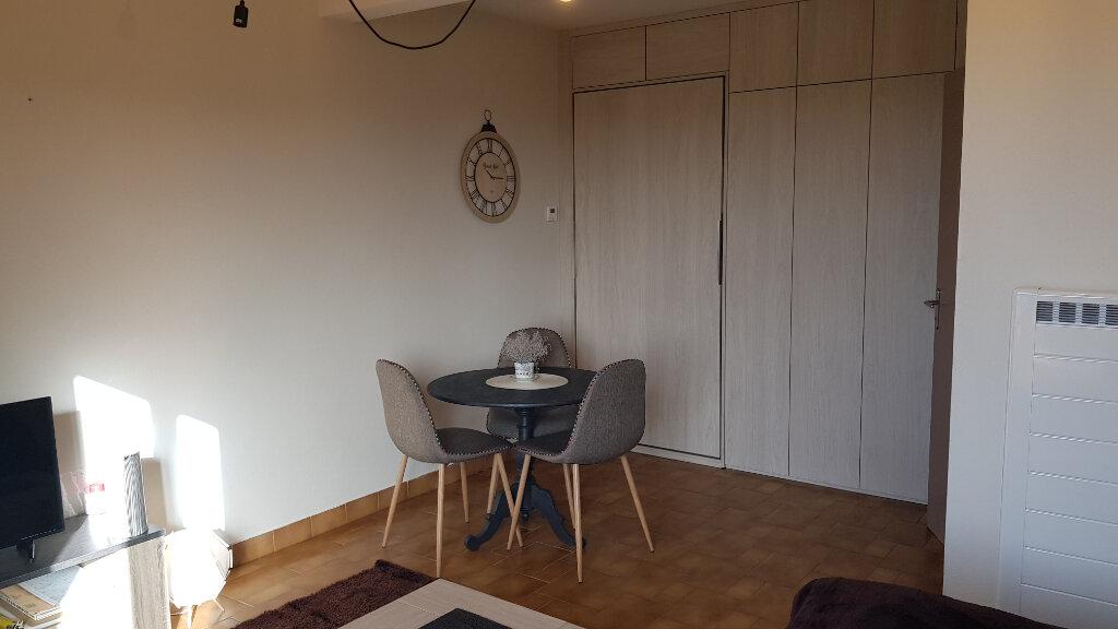 Appartement à vendre 2 45m2 à Mont-de-Marsan vignette-2