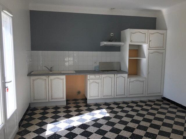 Maison à louer 4 121m2 à Le Castellet vignette-2