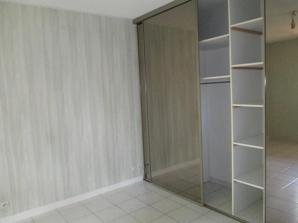 Appartement à louer 2 44m2 à Ollioules vignette-4