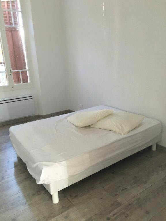 Appartement à louer 4 86m2 à Sanary-sur-Mer vignette-4