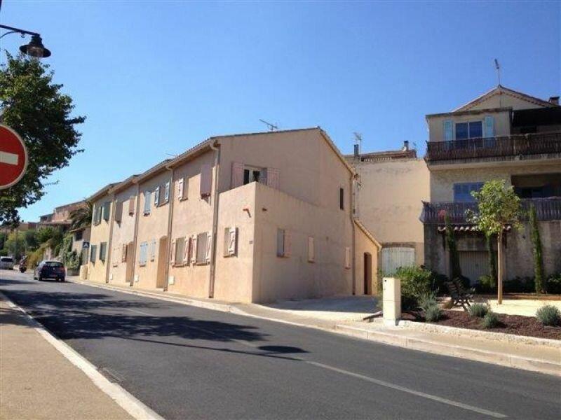 Appartement à louer 3 57m2 à La Cadière-d'Azur vignette-1