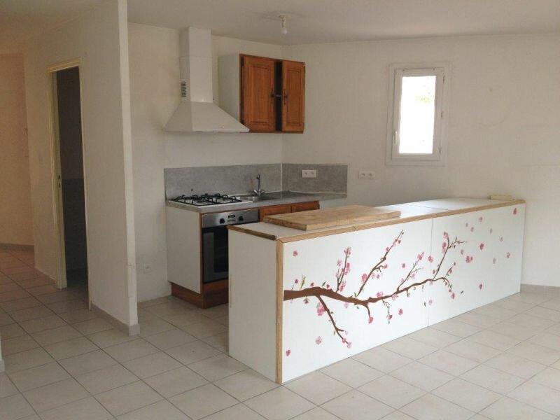 Appartement à louer 3 57m2 à La Cadière-d'Azur vignette-2