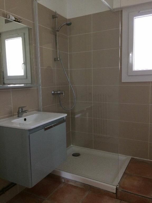 Appartement à louer 3 57m2 à Sanary-sur-Mer vignette-7