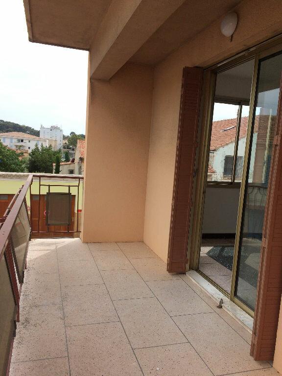 Appartement à louer 4 85.21m2 à La Seyne-sur-Mer vignette-2