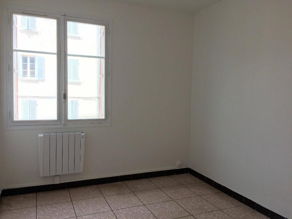 Appartement à louer 4 85.21m2 à La Seyne-sur-Mer vignette-3