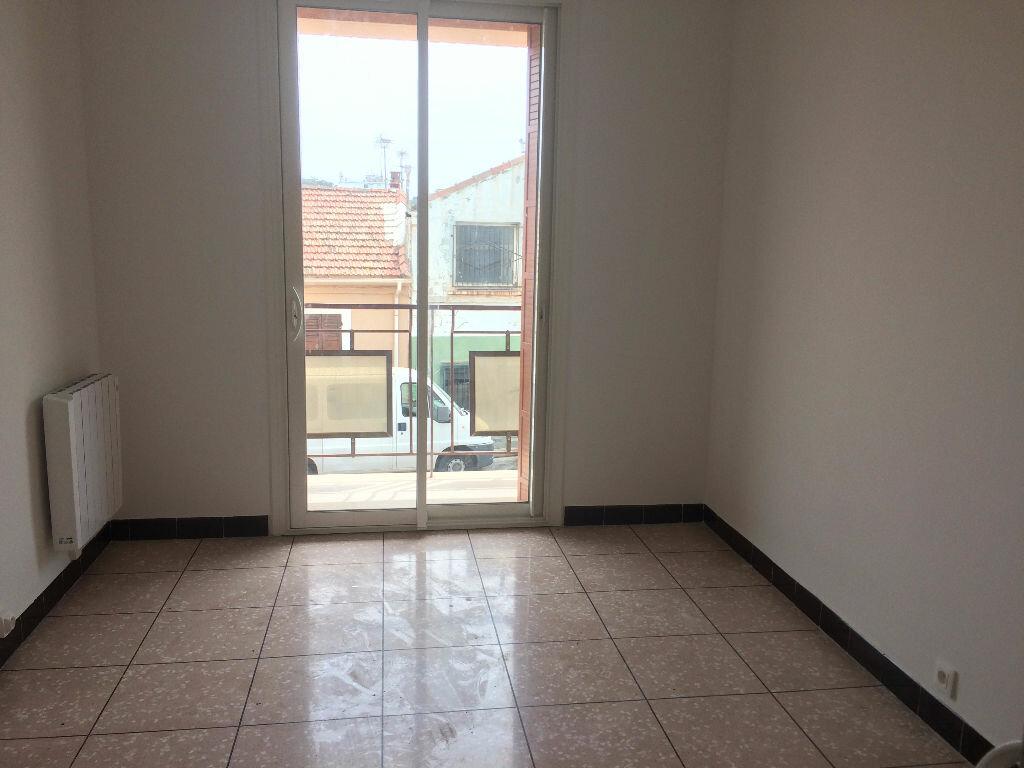 Appartement à louer 4 85.21m2 à La Seyne-sur-Mer vignette-4
